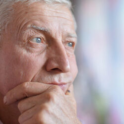 4 Risk Factors that Contribute to Senior Loneliness and Isolation